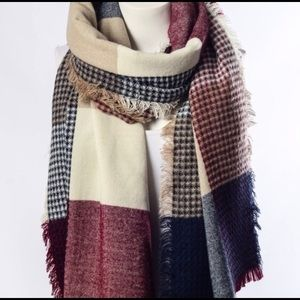 Felicias scarf blanket